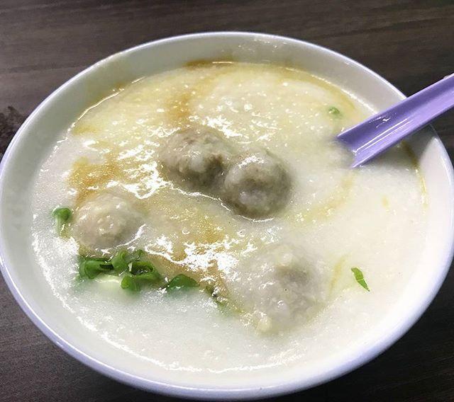 My lovely pork ball porridge ($5) from #ahchiangporridge yesterday.
