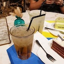 Finally tried the desserts here at cafe de paris thanks to Burpplebeyond's 1 for 1 set!