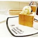 Dazzlng Cafe