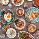Breakfast Buffet —$29.50 With the choice of 1 main, you get to enjoy local spread featuring from Tiong Bahru Jian Bo Shui Kueh, Ah Yee's Soon Kueh, HarriAnn's Yam Cake & Tau Suan to Lina's Confectionary's Kueh Lopes and many more.