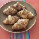 Mini croissants to start the day.