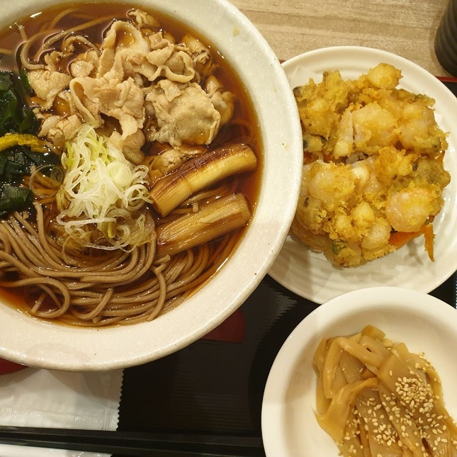 Warm Soba with Pork Slices& a side of Seafood Tempura
