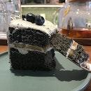 Black Sesame And White Peach Cake