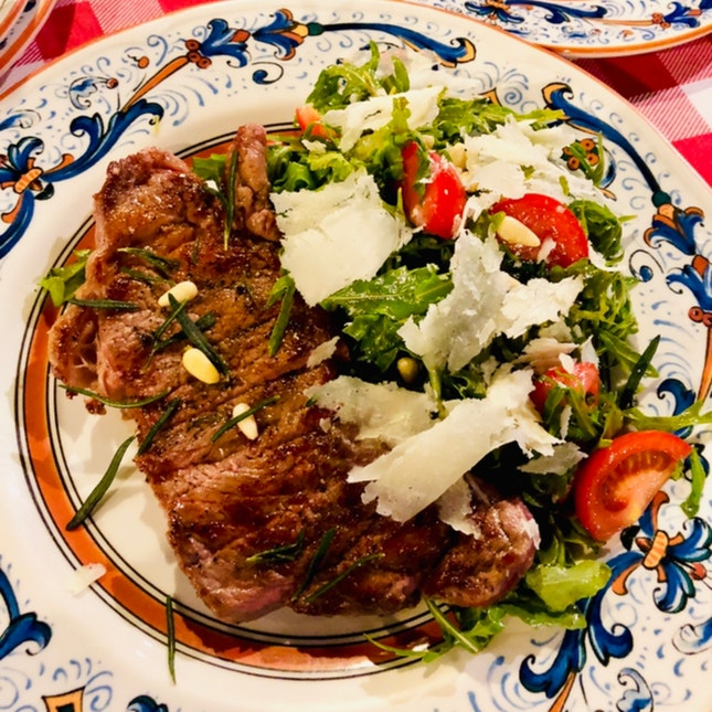 Sirloin With Salad