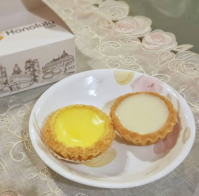 Throwback to my yummy egg tarts and Beancurd tarts by @honolulucafesg.