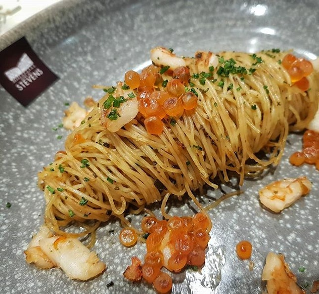 Love this delicate GAMBAS pasta from @winestone.sg.