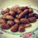 Braised peanuts #umakemehungry #foodphotography #foodie #foodgasm #foodstamping #foodbloggers #foodoftheday #foodporn #foodspotting #followme #yummy #sgfood #singapore #makanhunt #tagsforlikes #peanuts