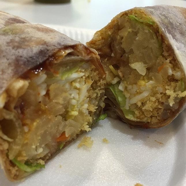 Popiah cross section #sgeats #followme #foodblogger #singaporefood #delicious #yummy #foodgasm #foodstamping #sgfood #foodoftheday #foodporn #burpple #foodspotting #fatdieme #foodgasm #instafood #openricesg #justeat #foodphotography #8dayseatout #instasg #umakemehungry #lifeisdeliciousinsg #foodblogs #nomnomnom