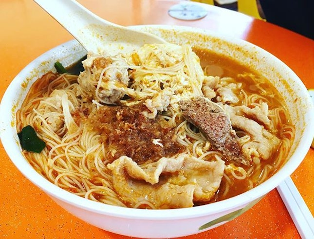 Spicy Koka Mee 辣椒可口面 ~ of course you can have the noodle changed to Bee Hoon too .