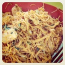 Bee hoon goreng for lunch!