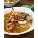 Pork ribs prawn noodle // 排骨虾面.