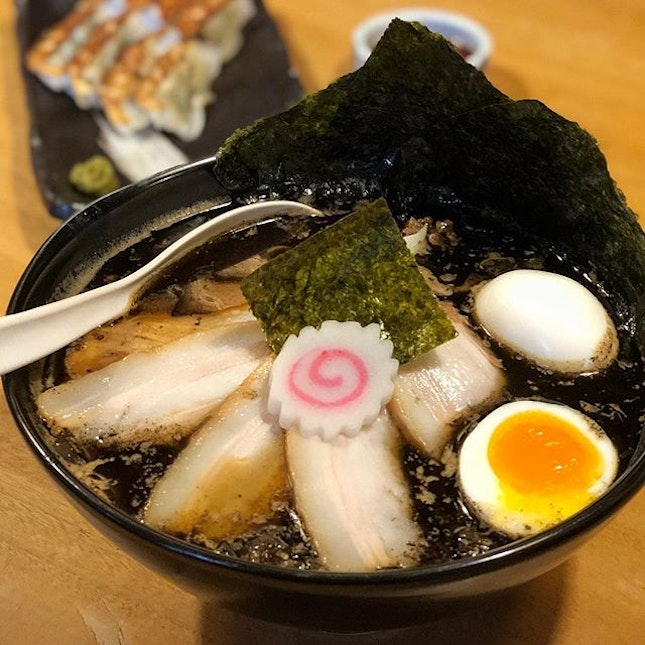 I would highly recommend the Burnt Miso Ramen here if you're a 重口味 (heavy taste) person.