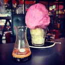 Steeling myself for the caffeine and sugar rush from this #CottonCandyAffogato at #Mespressosportingclub #cafehopping #cafehoppingmy #cafehoppingjb #cottoncandy #affogato #burpple #MonstaCafe