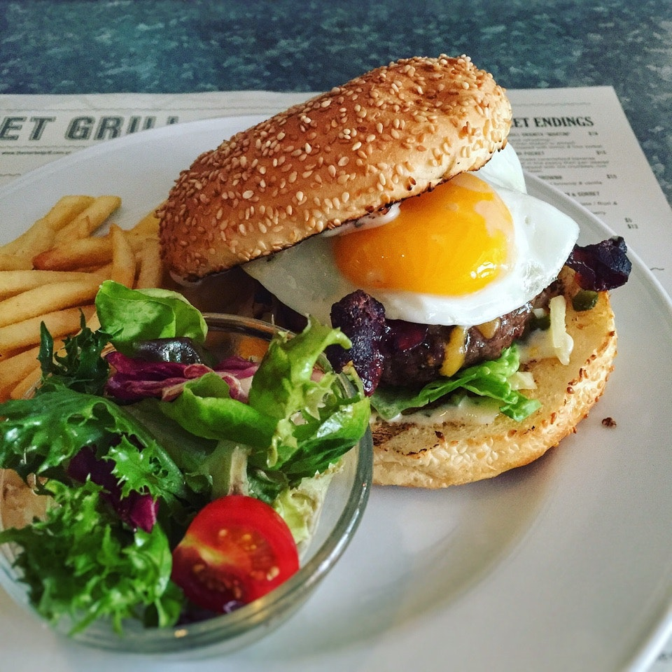 CW Burger Breakfast (150gms: $24++, 200gms: $33++)