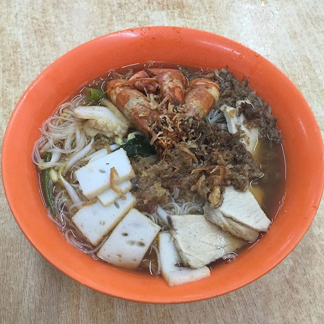 Prawn noodle broth at its best.