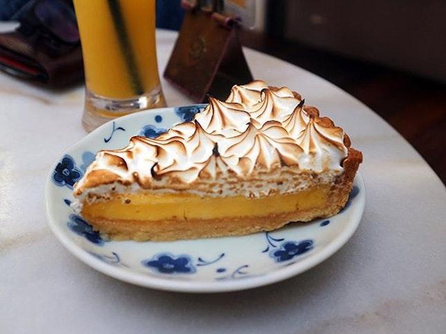 Lemon meringue pie from @wimblylu.