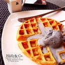 so i finally met up with lulu after about 6 months and she shared her wonder job experience over this half melted Black Sesame Scoop on Waffles from Haato & Co!