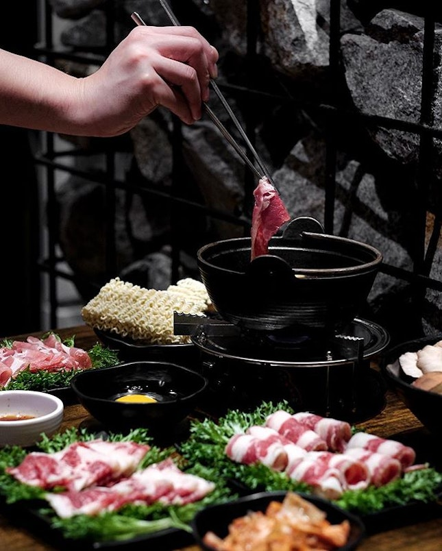 Fans of Masizzim will be excited to find new biases in their newly expanded menu, which features Shabu-Shabu with three choices of meat, Bulgogi Rice Balls with beef or pork, Crabmeat Egg Roll and Spicy Octopus.