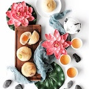 Madam Leng Mooncakes •SGD 55/Mix & Match of 4pcs• • Traditional baked mooncakes and snowskin mooncakes are not the only options for Mid-Autumn Festival, fans of authentic Teochew-style pastry mooncakes will love these delicious treats from Madam Leng Mooncakes at Putien.
