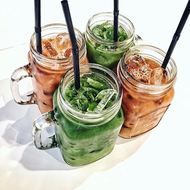 Cheeerrsss  #birthdaycelebration#instapic#foodporn#burpple#thaimilktea#thaigreenmilktea#sixty6#foodpic#foodie#beverage#shortstreet#instaplace