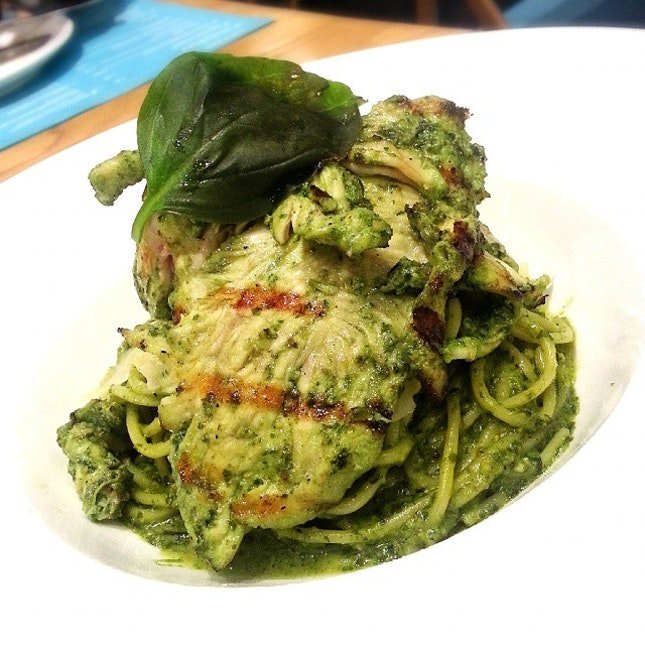 Post-yoga meal: Homemade pesto spaghettini with chargrilled pesto chicken!