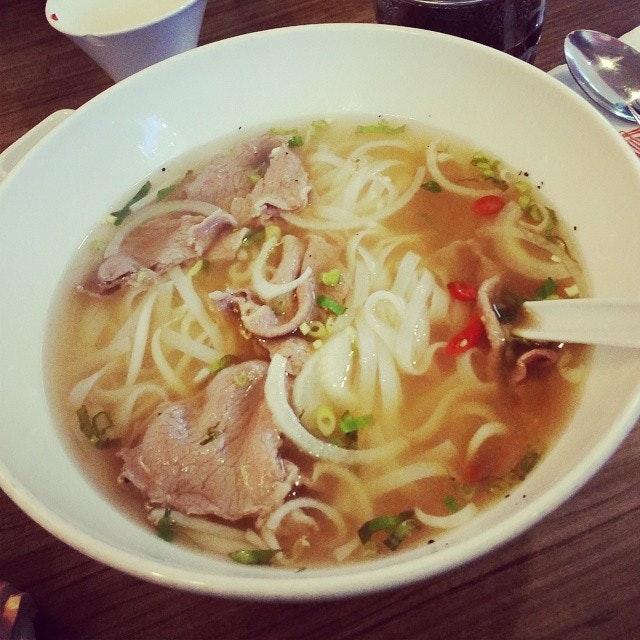 #vietnamese #pho #slicedbeef #ricenoodle #soup #lunch #theorangelantern #harbourfront #sgfood #singapore #yummy #delicious #foodporn #foodstagram #foodie #food #foodgloriousfood #foodlover #icapturefood #instafood #ilovefood #foodblogger