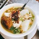 #dinner #sotoayam #bergedil #chicken #malayfood #localfood #sgfood #singapore #kampongglamcafe #weeknight #food #foodie #foodlover #foodporn #foodstagram #foodgloriousfood #instafood #ilovefood #icapturefood #igfood #epochtimesfood #outing #burpple #eatout #eatoutsg #8dayseatout
