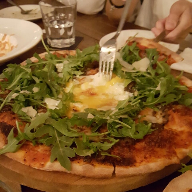 truffle and egg pizza!