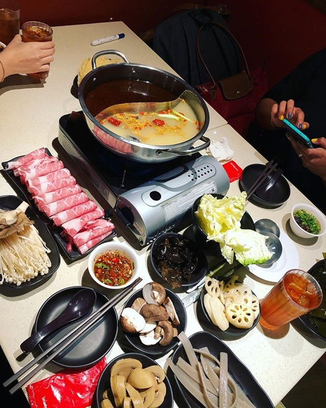 Singapore Hot Pots And Steamboats