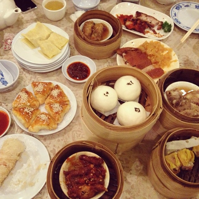 Not to waste our effort to wake up early so we go for dimsum (: