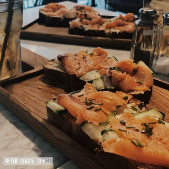 Smoked Salmon + Cream Cheese Open-faced Toast ($18)