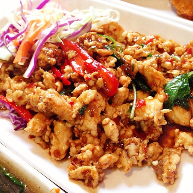 For No-Frills, Affordable Thai