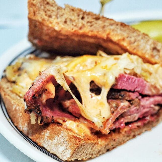 For New York Deli Food