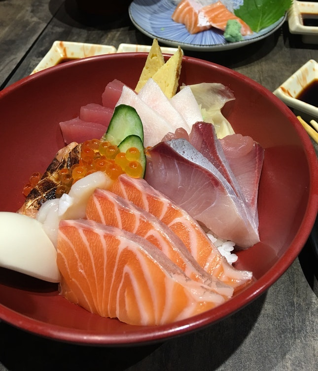 For Frill-Free Dates Over 1-for-1 Sashimi
