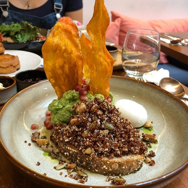 #burpple | #smashedavo with quinoa and sweet potato chip.