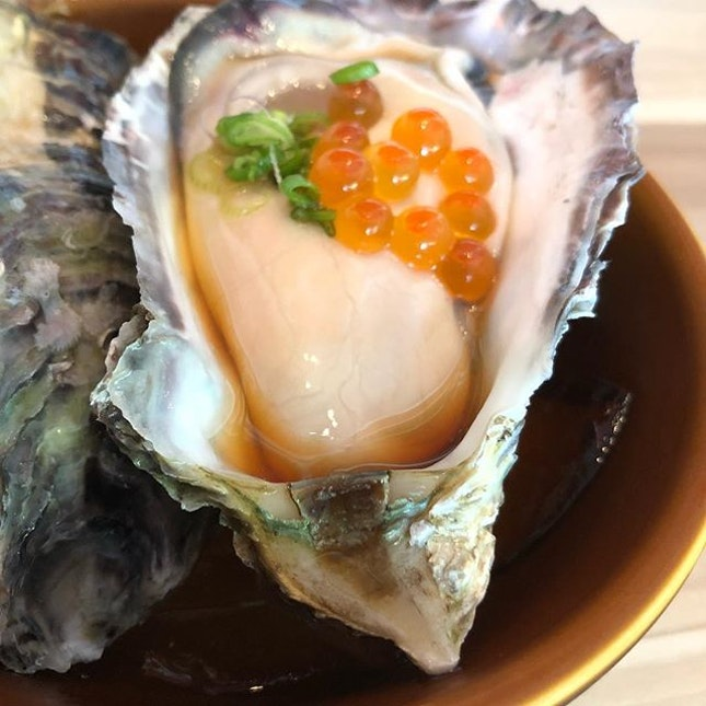 #burpple | really plump and fresh #oyster with #fishroe #tobiko