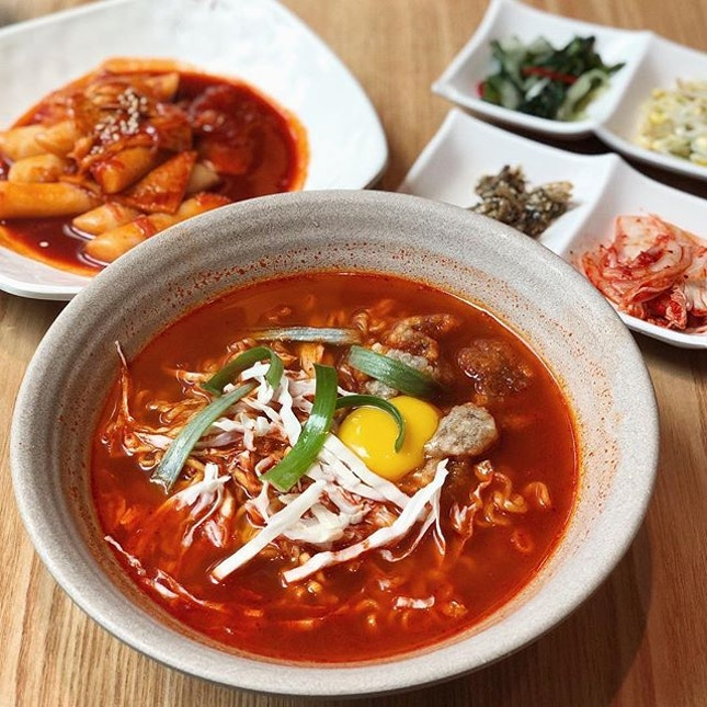 Gang RaMyeon @joahkoreanrestaurant Korean style ramyeon with spicy sauce made by Joah and topped with deep fried pork.