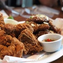 Sunday lunch = sinful time 😄 Here @chirchirsg for their Fried Chicken .