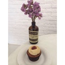 A Peanut Butter & Jelly cupcake to suit the sweet and warmly tone here!