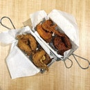 Fried Chicken  These 16 pieces of fried chicken are marinated nicely, juicy and crispy!