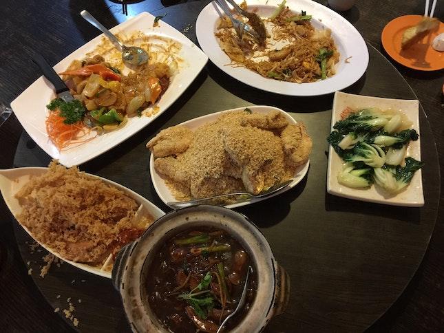 Har Cheong Gai | Volcano Tofu | Fried Mee Sua | Nai Bai | Claypot Pork Liver | Cereal Prawns
