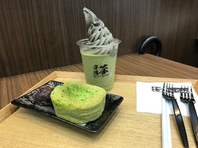 Genmaicha Float + Goma Soft Serve (RM17.50)                       Matcha Roll Cake (RM11.50)