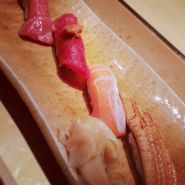 Spectacular sushi course #vscocam #foodporn #glutface #japanese #pescatarian #weekendwarrior #letthegoodtimesroll