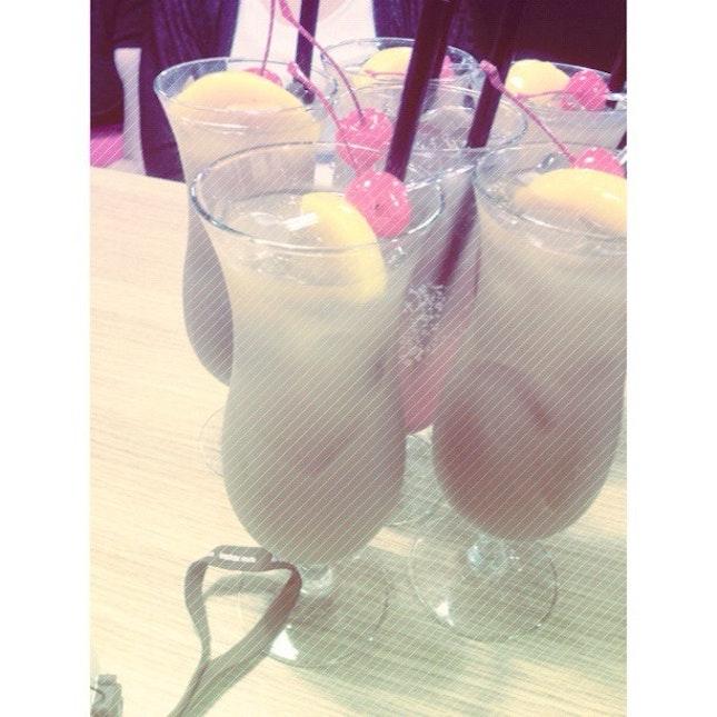 Peach & Mango Tea & Sparkling Sour Plum 🍹🍹 #seoulgarden #hotpot #habourfrontcenter #drinks #dinner