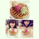 Belated Birthday treat from makcik @nadhrah93 😊😊😊 #belated #birthday #21st #dessert #instadaily #foodporn #icecream #waffle #marbleslab