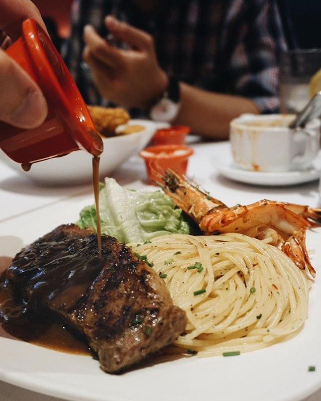 @hottomatosg consistently doesn't the doneness of my steak right, but it's ok because $13.90 for decent steak and prawns.