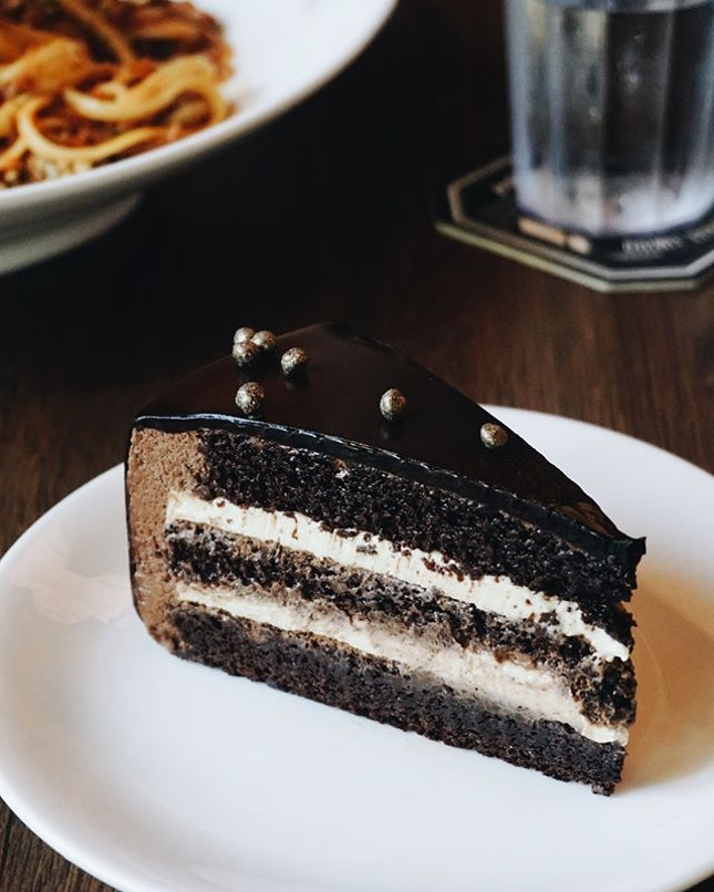 """we ordered their cake of the day and we were pretty sure we heard something like """"blueberry cheesecake"""" but this came instead lol."""