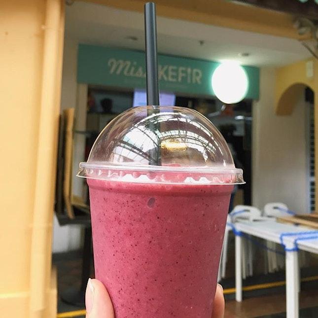 Berry Smoothie ($4.60) 🍓🍇