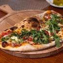 Al Borgo Pizza ($32) ⭐️ 4.5/5 ⭐️ Capellini con Gamberi ($32) ⭐️ 3.5/5 ⭐️ 🍴Hidden in SIM, #alborgo has a second outlet at Namly, serving hearty Italian cuisine.