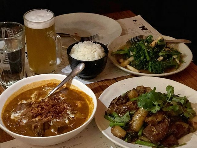 Pad seuw ($29.50) Massaman curry ($29.50) Brocolini stir fry ($21.50) ⭐️ 4.5/5 ⭐️ 🍴Still one of the most popular restaurants in Melbourne with at least an hour wait for a table but still one of my favourites for its delicious fusion food.